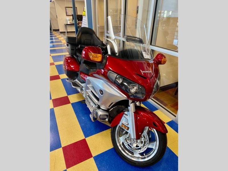 2012 Honda boat for sale, model of the boat is Gold Wing GL1800 & Image # 2 of 10