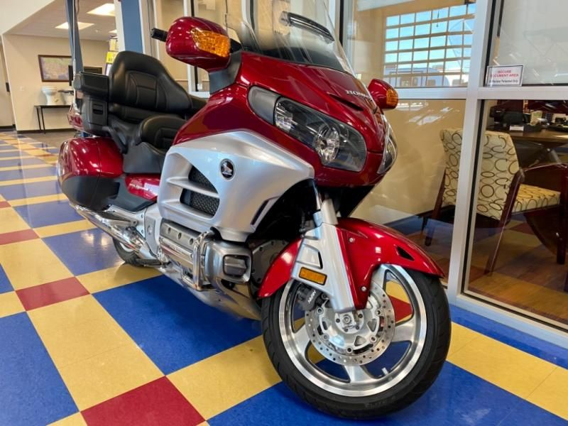 2012 Honda boat for sale, model of the boat is Gold Wing GL1800 & Image # 1 of 10