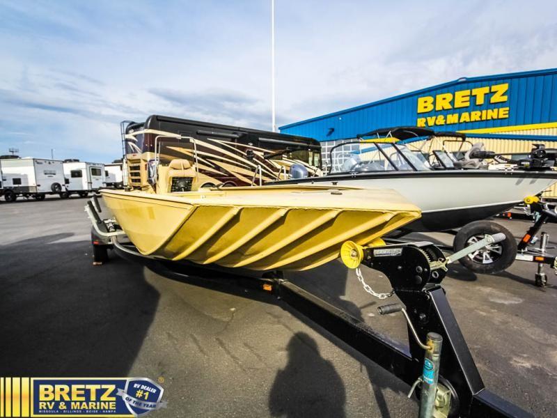 2008 Crestliner boat for sale, model of the boat is CXJ 2070 & Image # 2 of 14