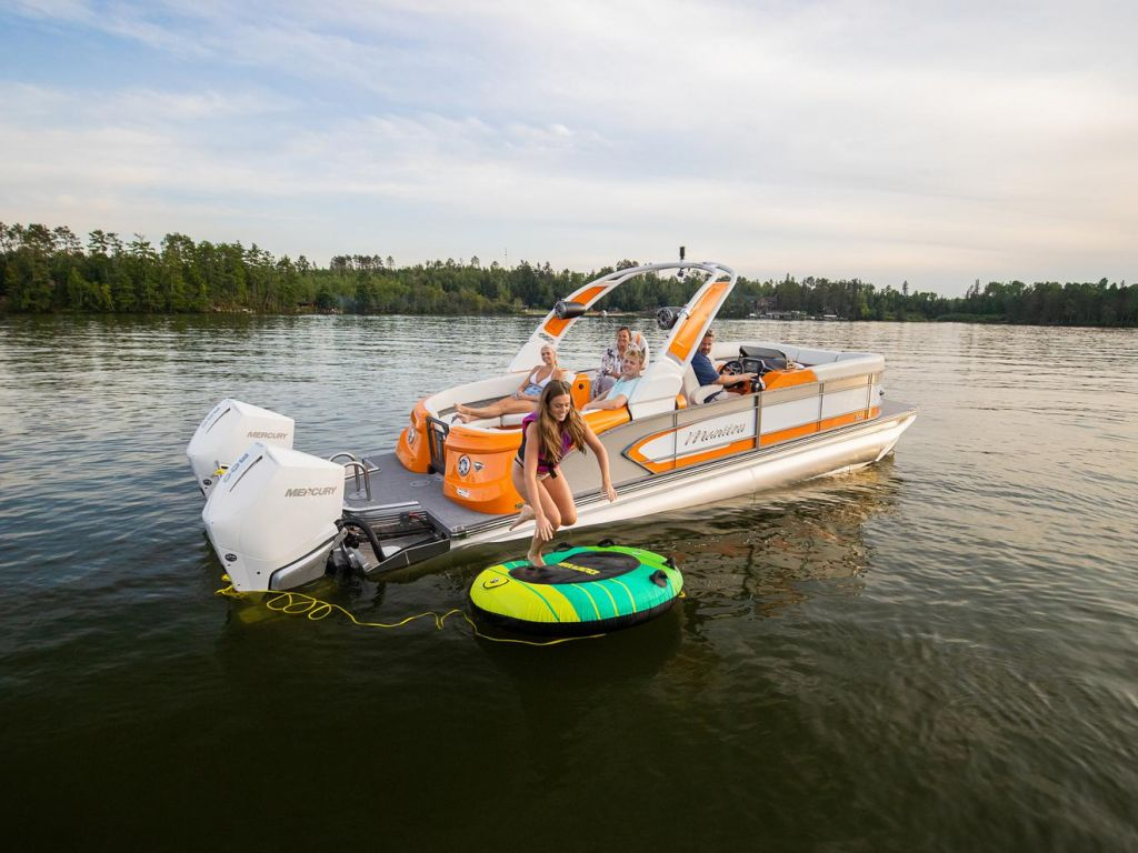 2021 Manitou Pontoon boat for sale, model of the boat is LX & Image # 2 of 15