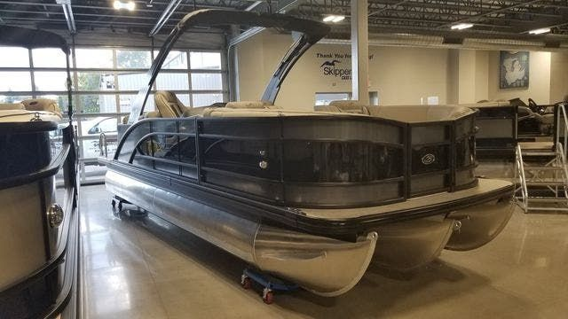 2021 Barletta boat for sale, model of the boat is L23QCSSATT & Image # 1 of 12