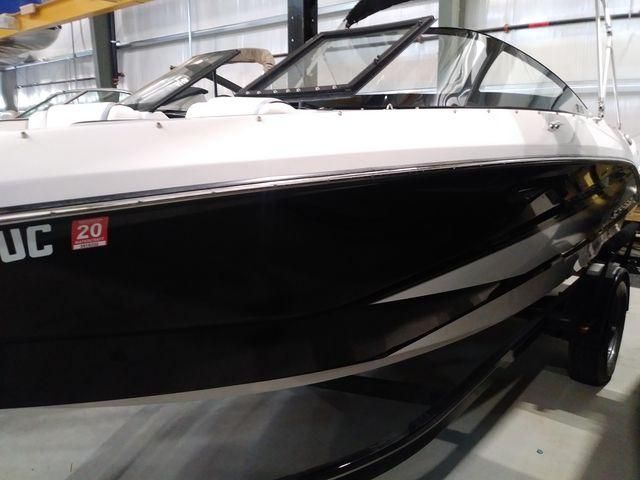 2017 Scarab boat for sale, model of the boat is 215SB & Image # 1 of 9