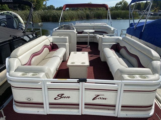 2002 JC boat for sale, model of the boat is 24 SUNTOON & Image # 2 of 8