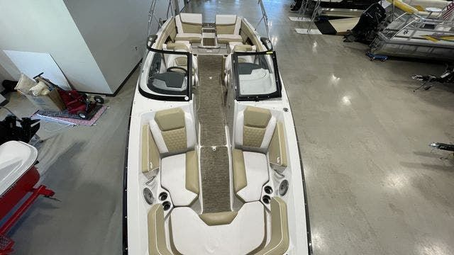 2017 Scarab boat for sale, model of the boat is 255PLATINUMSE & Image # 2 of 10