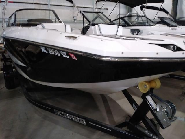 2017 Scarab boat for sale, model of the boat is 215SB & Image # 2 of 9