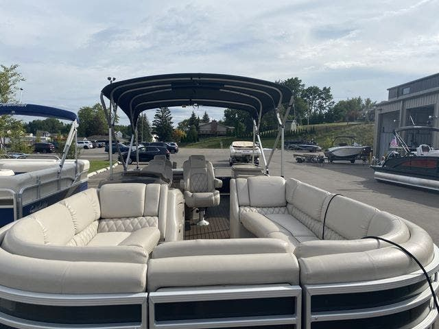 2015 Bennington boat for sale, model of the boat is 2575 RSD & Image # 2 of 11