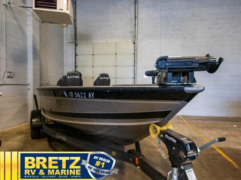 2020 Lund boat for sale, model of the boat is Pro Guide 1875 & Image # 2 of 19