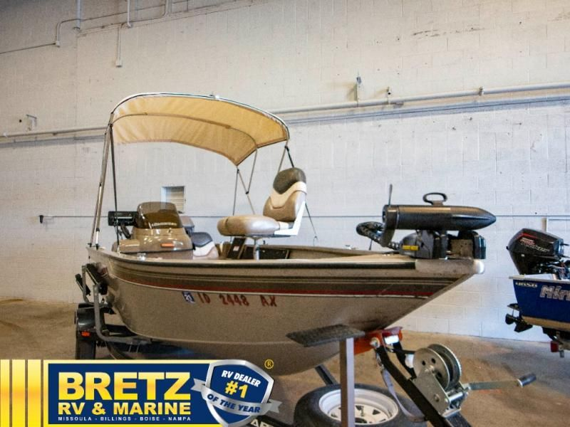 2003 Tracker Boats boat for sale, model of the boat is Tracker Pro Guide V16SC & Image # 1 of 14