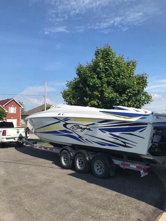 2005 Baja boat for sale, model of the boat is Outlaw 30SST & Image # 4 of 10