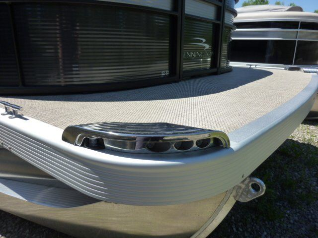 2019 Bennington boat for sale, model of the boat is 22SCWX & Image # 12 of 14