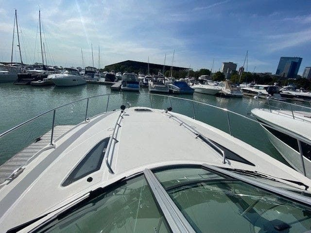 2011 Sea Ray boat for sale, model of the boat is 370 SUNDANCER & Image # 2 of 28