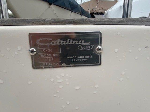 1985 Catalina Yachts boat for sale, model of the boat is 30' & Image # 2 of 26