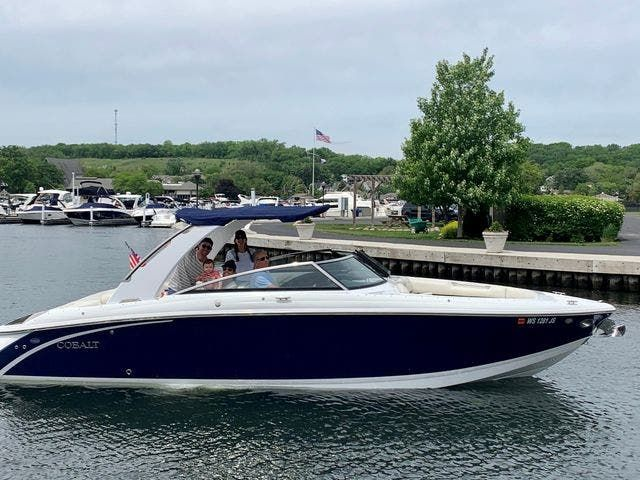 2016 Cobalt boat for sale, model of the boat is R30 & Image # 2 of 9