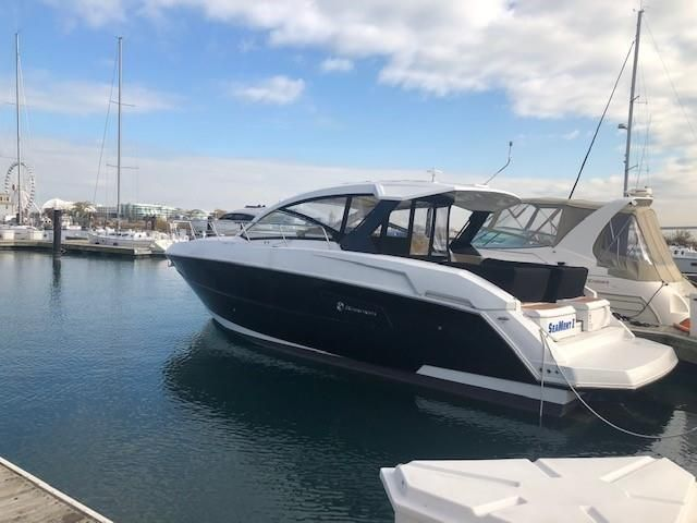 2016 Cruisers Yachts boat for sale, model of the boat is 390 EC & Image # 1 of 2