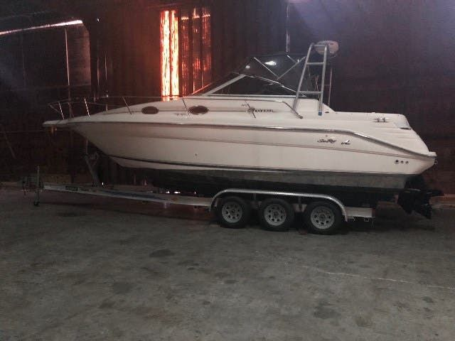 1994 Sea Ray boat for sale, model of the boat is 270 SUNDANCER & Image # 2 of 6