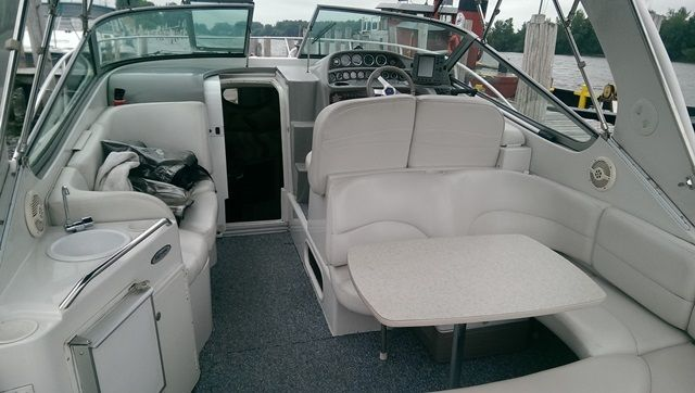 2000 Four Winns boat for sale, model of the boat is 298 VISTA & Image # 2 of 2