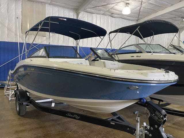 2022 Sea Ray boat for sale, model of the boat is 190SPXO & Image # 2 of 8