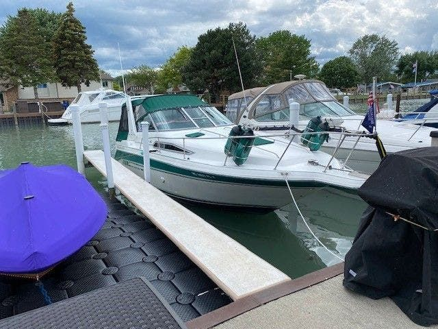 1992 Sea Ray boat for sale, model of the boat is 290SUNDANCER & Image # 2 of 23