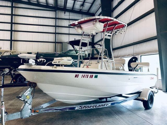 2001 Boston Whaler boat for sale, model of the boat is 18DAUNTLESS & Image # 2 of 29