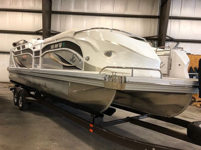2016 JC boat for sale, model of the boat is 266 TRI-TOON & Image # 2 of 24