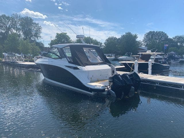 2020 Sea Ray boat for sale, model of the boat is 320DAO & Image # 2 of 18