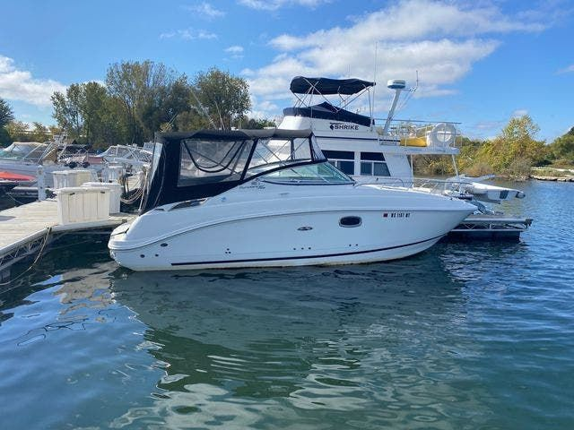 2009 Sea Ray boat for sale, model of the boat is 250 SUNDANCER & Image # 2 of 21