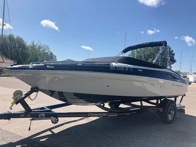 2012 Crownline boat for sale, model of the boat is 21SS & Image # 2 of 20