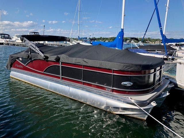 2021 Manitou boat for sale, model of the boat is 23 SES VP & Image # 2 of 22