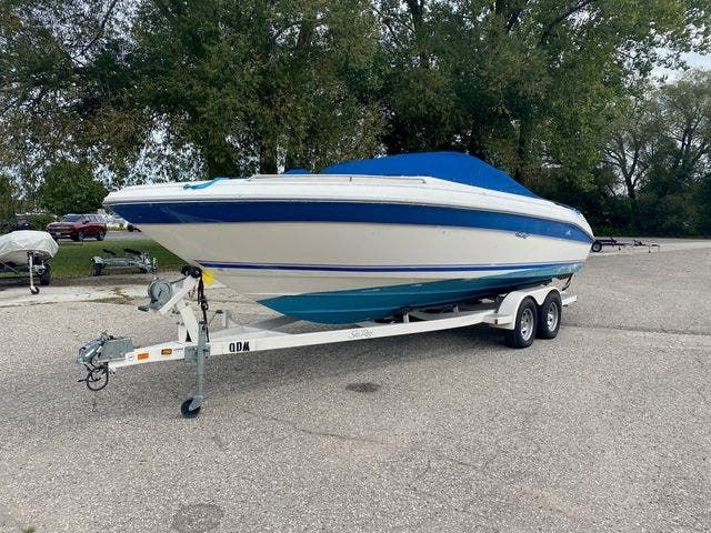 1992 Sea Ray boat for sale, model of the boat is 240BR & Image # 1 of 14