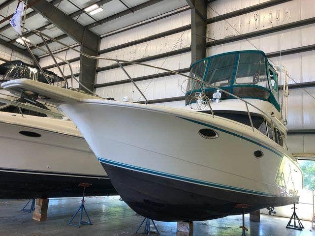 1994 Silverton boat for sale, model of the boat is 312 SEDAN & Image # 2 of 29