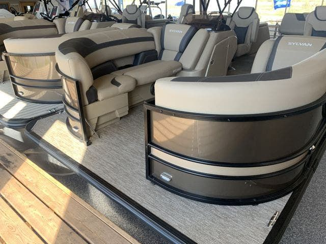 2022 Sylvan boat for sale, model of the boat is L5DLZ & Image # 2 of 16