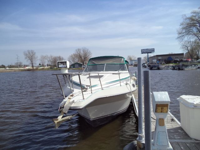1989 Cruisers Yachts boat for sale, model of the boat is ROGUE 3060 & Image # 2 of 2