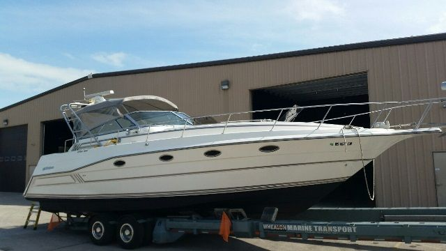 1991 Cruisers Yachts boat for sale, model of the boat is 3675 ESPRIT & Image # 1 of 2