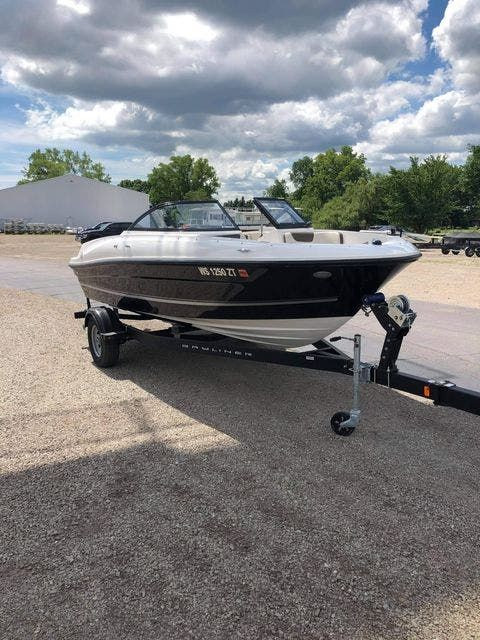 2018 Bayliner boat for sale, model of the boat is VR4 & Image # 2 of 5
