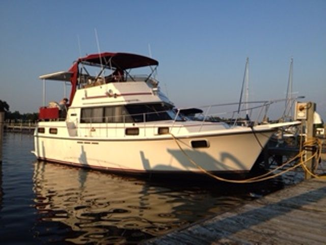 1986 Carver boat for sale, model of the boat is 3607 & Image # 1 of 2