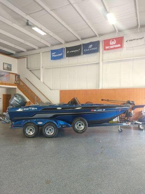 2010 Skeeter boat for sale, model of the boat is WX1900 & Image # 2 of 13
