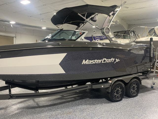 2018 Mastercraft boat for sale, model of the boat is X-Star & Image # 2 of 31
