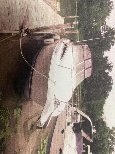 1996 Carver boat for sale, model of the boat is 250 EXPRESS & Image # 1 of 11