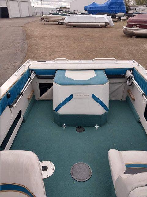 1993 Crestliner boat for sale, model of the boat is 2150 FISH & SKI & Image # 2 of 7