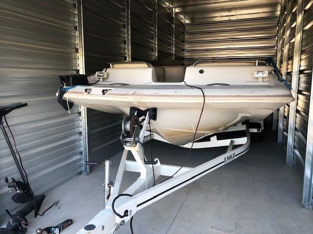1999 Hurricane boat for sale, model of the boat is 201 FUNDECK & Image # 1 of 2