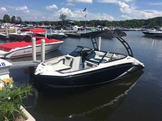 2019 Yamaha boat for sale, model of the boat is 210AR & Image # 1 of 7
