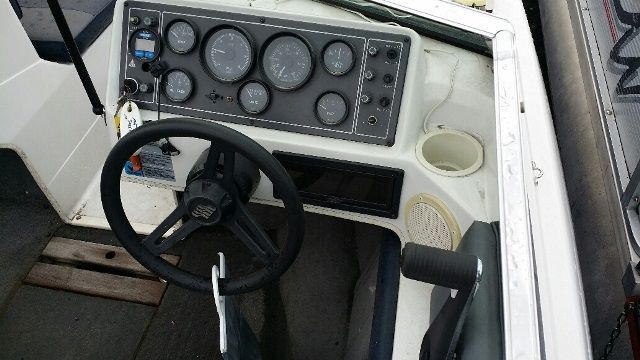 1990 Four Winns boat for sale, model of the boat is 170F & Image # 2 of 2