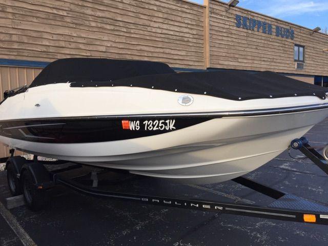 2015 Bayliner boat for sale, model of the boat is 215 DECK BOAT & Image # 2 of 2