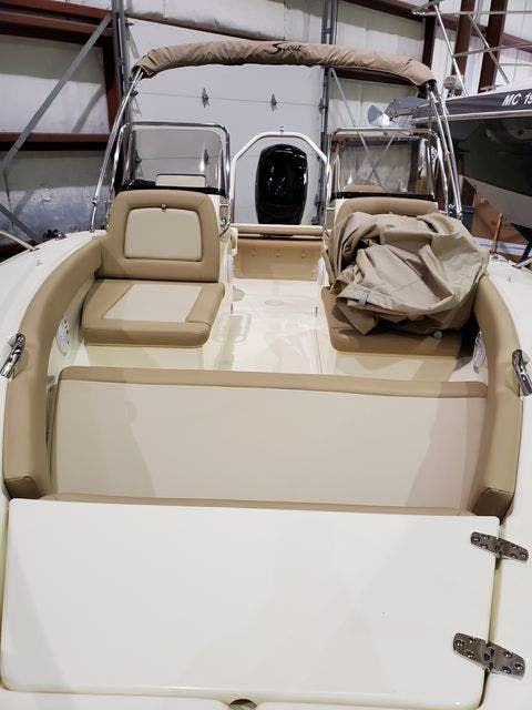 2021 Scout boat for sale, model of the boat is 195SportDorado & Image # 2 of 13