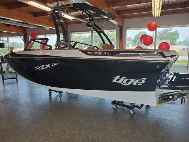 2021 Tige boat for sale, model of the boat is 20-RZX & Image # 1 of 17