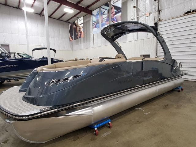 2022 Harris boat for sale, model of the boat is 250CROWNE/SL/TT & Image # 1 of 12