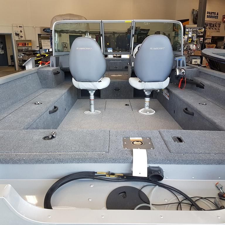2016 Alumacraft boat for sale, model of the boat is Voyageur 175 Sport & Image # 3 of 3