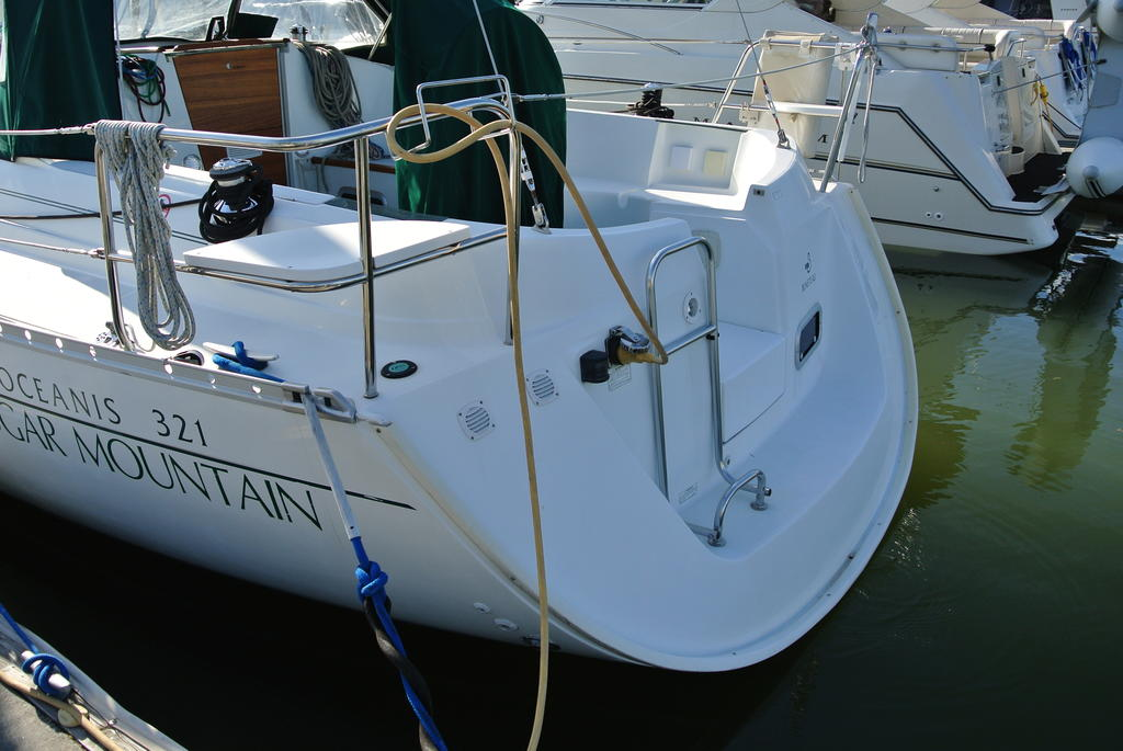 1998 Beneteau boat for sale, model of the boat is Oceanis 321 & Image # 7 of 18