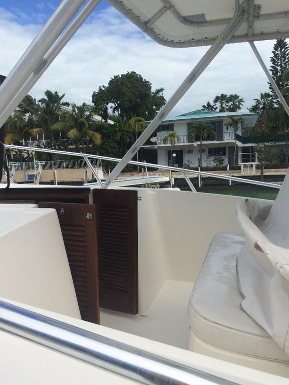 1985 Mako boat for sale, model of the boat is 284  CC Cuddy Cabin & Image # 10 of 15