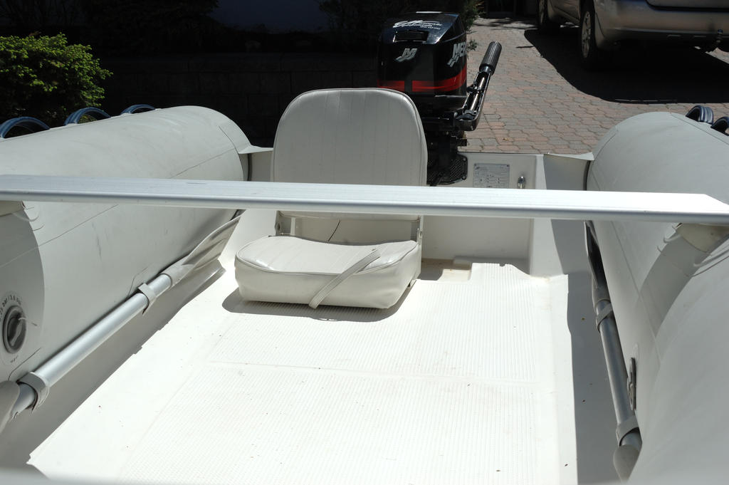 2007 Mercury Inflatables boat for sale, model of the boat is Ocean Runner 330 & Image # 4 of 7